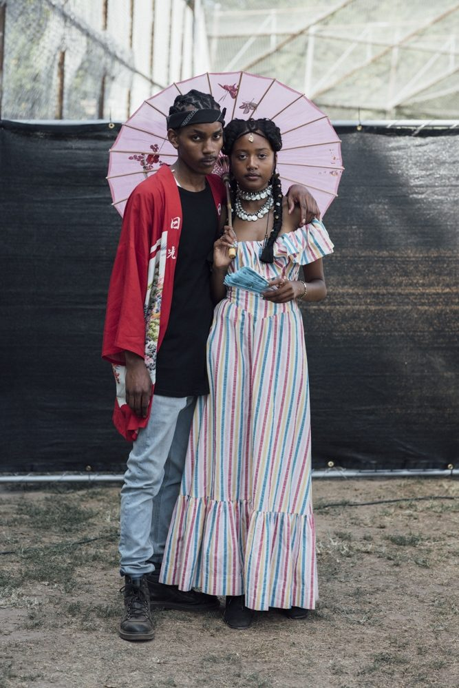 Afropunk – The couple, Delphine Diallo, photographie couleur